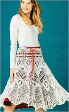 INCREDIBLY BEAUTIFUL CROCHETED SKIRT