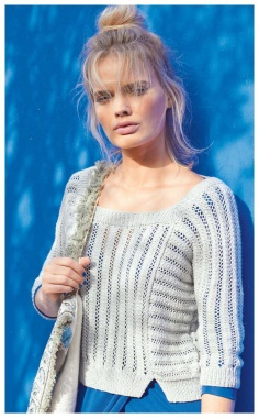 SHARE CUT OUT SHORT MESH SWEATER