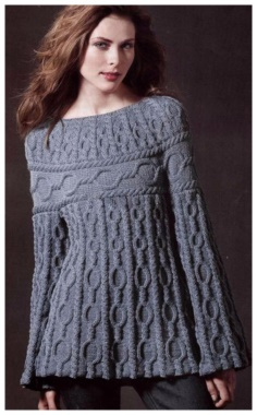 KNITTED TUNIC WITH CIRCULAR KNITTING PATTERNS