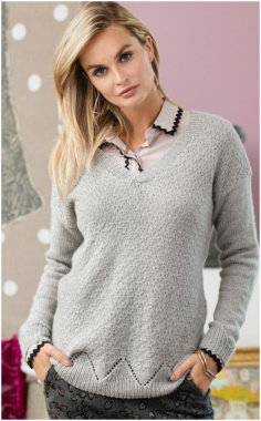 GRAY PULLOVER WITH A COMBINATION OF PATTERNS