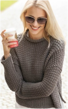 PULLOVER WITH CUTS PATTERN