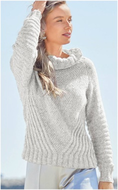 A DIAGONAL PATTERN RAGLAN SWEATER