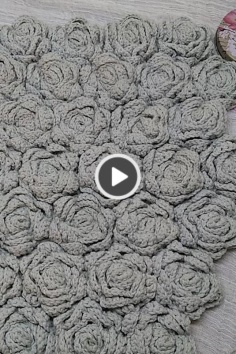 Video of knitting 3D blanket with rose