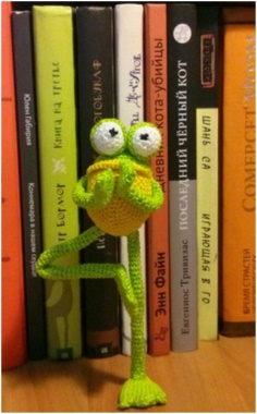 KNITTED MR. FROG