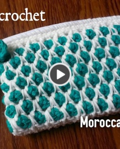 the Moroccan Tile Stitch Purse