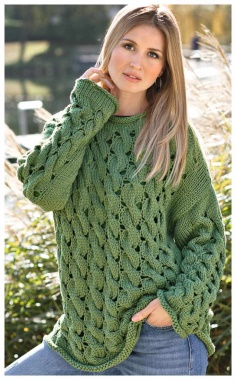 "GREEN SWEATER WITH A PATTERN OF ""BRAIDS"" RELAXED AND ORIGINAL"